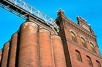 St. Louis: Anheuser-Busch Barley House. Photo '76.