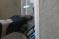 CAMPINAS, SP 22.05.2019 - OPERAÇÃO POLICIA - CPFL - A Polícia Cívil da cidade de Campinas (SP) e a CPFL Paulista realizam na manhã desta quarta-feira (22) a Operação Tesla de combate a fraudes e furtos de energia. São mais de 30 locais. <br /> Segundo a CPFL, a ação vai concentrar esforços para a inspeção e identificação de irregularidades em unidades consumidoras de diversos bairros da cidade. O trabalho vai envolver 11 delegacias e 20 equipes da concessionária, que prestarão o apoio técnico necessário para a confirmação dos furtos. (Foto: Denny Cesare/Código19)