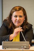 2. Sitzung des 2. Untersuchungsausschusses <br /> der 18. Wahlperiode des Berliner Abgeordnetenhaus - &quot;BER II&quot; - am Freitag den 7. September 2018.<br /> Der Ausschuss soll die Ursachen, Konsequenzen und Verantwortung fuer die Kosten- und Terminueberschreitungen des im Bau befindlichen Flughafens &quot;Berlin Brandenburg Willy Brandt&quot; aufklaeren.<br /> Als oeffentlicher Tagesordnungspunkt war die Beweiserhebung durch Vernehmung des Zeugen Staatssekretaer a. D. Prof. Dr.-Ing. Engelbert Luetke Daldrup vorgesehen.<br /> Im Bild: Die Ausschussvorsitzende Melanie Kuehnemann-Grunow, SPD.<br /> 7.9.2018, Berlin<br /> Copyright: Christian-Ditsch.de<br /> [Inhaltsveraendernde Manipulation des Fotos nur nach ausdruecklicher Genehmigung des Fotografen. Vereinbarungen ueber Abtretung von Persoenlichkeitsrechten/Model Release der abgebildeten Person/Personen liegen nicht vor. NO MODEL RELEASE! Nur fuer Redaktionelle Zwecke. Don't publish without copyright Christian-Ditsch.de, Veroeffentlichung nur mit Fotografennennung, sowie gegen Honorar, MwSt. und Beleg. Konto: I N G - D i B a, IBAN DE58500105175400192269, BIC INGDDEFFXXX, Kontakt: post@christian-ditsch.de<br /> Bei der Bearbeitung der Dateiinformationen darf die Urheberkennzeichnung in den EXIF- und  IPTC-Daten nicht entfernt werden, diese sind in digitalen Medien nach &sect;95c UrhG rechtlich geschuetzt. Der Urhebervermerk wird gemaess &sect;13 UrhG verlangt.]
