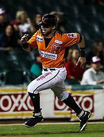 Fernando Perez es puesto out en Home en una barrida jugada, durante juego de beisbol de la Liga Mexicana del Pacifico temporada 2017 2018. Quinto juego de la serie de playoffs entre Mayos de Navojoa vs Naranjeros. 6Enero2018. (Foto: Luis Gutierrez /NortePhoto.com)