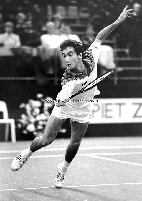 Netherlands, Apeldoorn, December 13 1988, KNLTB Masters, Menno Oosting