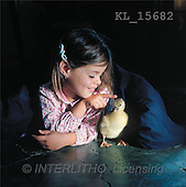Interlitho, CHILDREN, photos, girl, chicken(KL15682,#K#) Kinder, niños