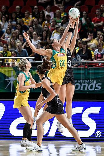 09.10.2016. Qudos Bank Arena, Sydney, Australia. Constellation Cup Netball. Australia Diamonds versus New Zealand Silver Ferns. Australias Sharni Layton in full flight. The Diamonds won the game 68-56.