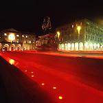 Luci d'artista a Torino. L'opera di Jan Vercruysse in piazza Bodoni. Dicembre 2005...Artist's lights in Turin. The work by Jan Vercruysse. December 2005...Ph. Marco Saroldi. Pho-to.it