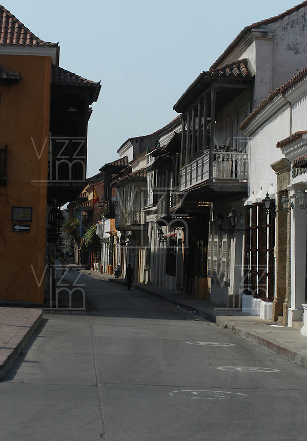 CARTAGENA-COLOMBIA-11-02-2007. Calle en la Ciudad Amurallada de Cartagena de Indias, Colombia, febrero11 de 2007.  CARTAGENA-COLOMBIA-11-02-2007. Street in the walled city of Cartagena de Indias, Colombia, febrero11 2007. (Photo: VizzorImage/Luis Ramirez)..