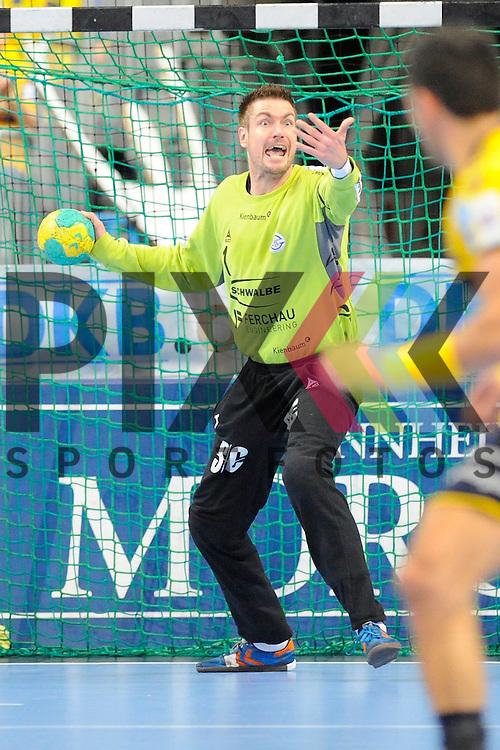 Gummersbachs Carsten Lichtlein mit dem Ball im Spiel des DHP Pokal, Rhein-Neckar Loewen - VfL Gummersbach.<br /> <br /> Foto &copy; P-I-X.org *** Foto ist honorarpflichtig! *** Auf Anfrage in hoeherer Qualitaet/Aufloesung. Belegexemplar erbeten. Veroeffentlichung ausschliesslich fuer journalistisch-publizistische Zwecke. For editorial use only.