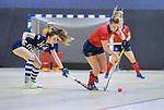 ROTTERDAM  - NK Zaalhockey . finale dames hoofdklasse: hdm-Laren 2-1. hdm landskampioen.  Lisanne de Lange (Lar) met Fay van der Elst (HDM)    COPYRIGHT KOEN SUYK