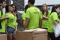 SAO PAULO - SP - 08 DE JUNHO DE 2013 - CAMPANHA AGASALHO, 2ª Caminhada da Solidariedade da ACM São Paulo em prol da Campanha do Agasalho, aconteceu neste sábado (8) na Praça dos Omaguás - Pinheiros - zona oeste de São Paulo e percorreu as ruas da região coletando doações com a presença da primeira-dama de São Paulo, Lu Alckmin. FOTO: MAURICIO CAMARGO / BRAZIL PHOTO PRESS.