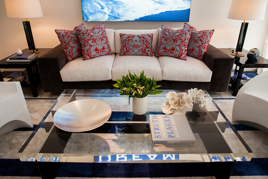 The Kips Bay Decorator Show House invited twenty one designers and architects to transform a luxury Manhattan townhouse for a benefit to the Kips Bay Boys &amp; Girls Club. <br /> <br /> Pictured, design by Victoria Hagan Interiors<br /> <br /> Danny Ghitis for The New York Times
