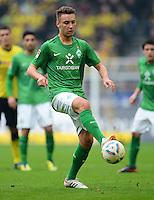 FUSSBALL   1. BUNDESLIGA   SAISON 2011/2012   26. SPIELTAG Borussia Dortmund - SV Werder Bremen               17.03.2012 Tom Trybull (SV Werder Bremen) Einzelaktion am Ball