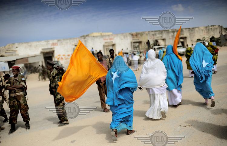Mogadishu/Somalia 2012 - Supporters of President Sheikh Sharif, celebrate his return after attending talks in Nairobi (Kenya).