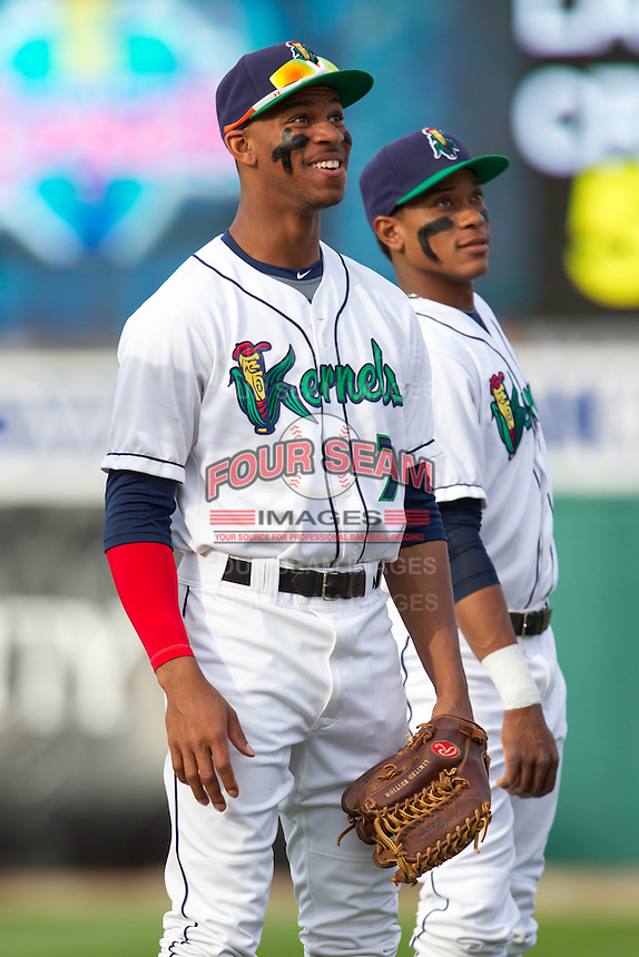 Cedar Rapids Kernels outfielder Byron Buxton #7 smiles prior to a game against the Lansing Lugnuts at Veterans Memorial Stadium on April 29, 2013 in Cedar Rapids, Iowa. (Brace Hemmelgarn/Four Seam Images)