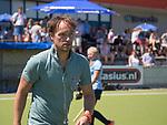 NIJMEGEN -  coach Matthijs Brouwer (Nijm.)   na de tweede play-off wedstrijd dames, Nijmegen-Huizen (1-4), voor promotie naar de hoofdklasse.. Huizen promoveert naar de hoofdklasse.  COPYRIGHT KOEN SUYK