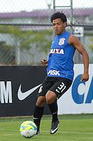 TREINO CORINTHIANS - SAO PAULO, 21 DE JANEIRO DE 2014 -  O jogador Romarinho durante o treino de hoje,  no Ct. Dr. Joaquim grava, na zona leste da capital. foto: Paulo Fischer/Brazil Photo Press.