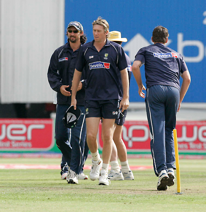 Photo: Peter Phillips..England v Australia. nPower Test Match Series, The Ashes 3rd Test. 12/08/2005..Glen McGrath and Jason Gillespie looking relaxed during warm up this morning