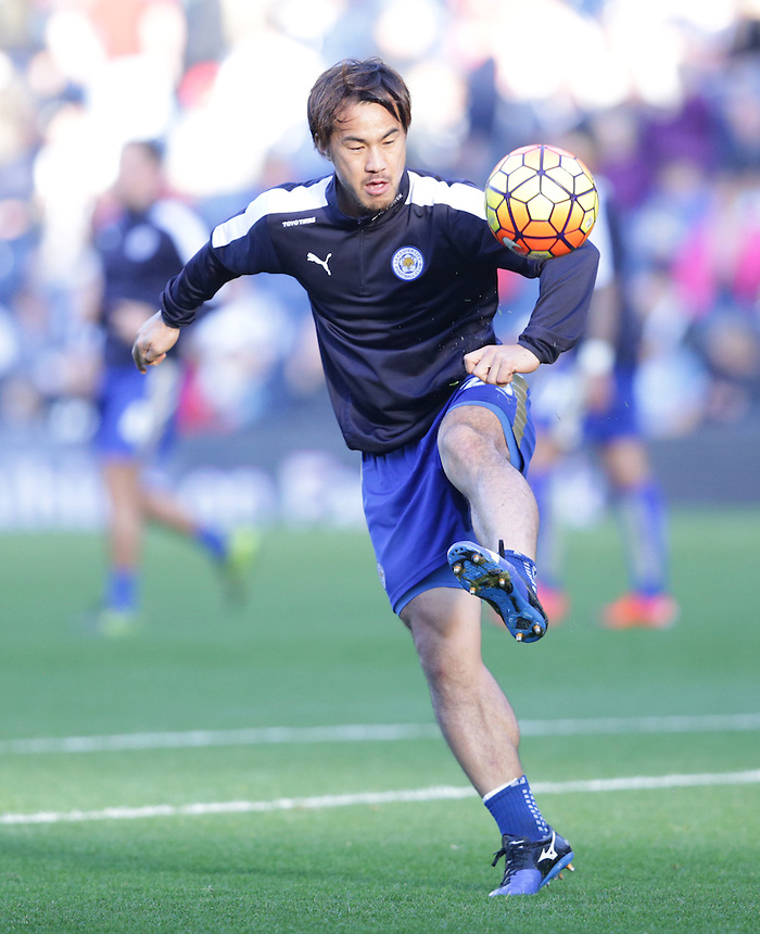 Leicester City's Shinji Okazaki in pre match warm up<br /> <br /> Photographer Rachel Holborn/CameraSport<br /> <br /> Football - Barclays Premiership - West Bromwich Albion v Leicester City - Saturday 31st October 2015 - The Hawthorns - West Bromwich<br /> <br /> &copy; CameraSport - 43 Linden Ave. Countesthorpe. Leicester. England. LE8 5PG - Tel: +44 (0) 116 277 4147 - admin@camerasport.com - www.camerasport.com