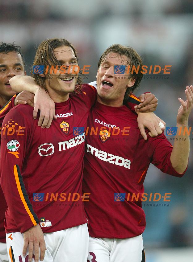 Roma 30/11/2003 <br /> Roma Lecce 3-1<br /> Francesco TOTTI e Antonio CASSANO festeggiano il terzo gol della Roma<br /> Foto Andrea Staccioli Insidefoto