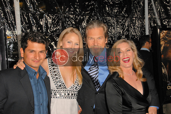 Jeff Bridges and family<br /> at the &quot;Crazy Heart&quot; Los Angeles Premiere, Acadamy of Motion Picture Arts and Sciences, Beverly Hills, CA. 12-08-09<br /> David Edwards/DailyCeleb.com 818-249-4998