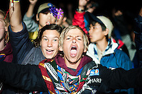 A boy scout from belgium roars and is enjoying Kate Ryan's preformance at the closing ceremony. Photo: Audun Ingebrigtsen / Scouterna