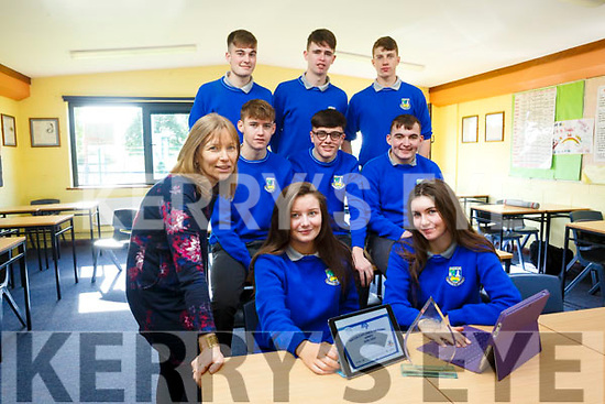 national water preservation competition winners Castleisland Community College will be travelling to Dublin to teleconference with other countries in the international section of the competition. Pictured front l-r  Teacher Doreen Killington, Adam O'Donoghue Laura Fleming, Kevin Keane, Kevin Lenihan Maeve Young, Back Mark O'Donoghue, Josh Horan and Greg Curran