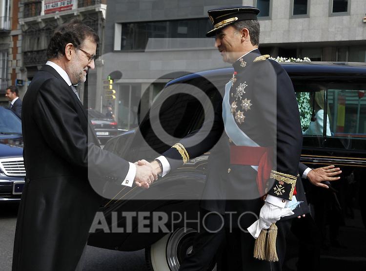 Coronation ceremony in Madrid. King Felipe VI of Spain arrive at Congreso de los Diputados and greets the President of Spain Mariano Rajoy. Madrid,June 19 ,2014. (ALTERPHOTOS/EFE/Pool)