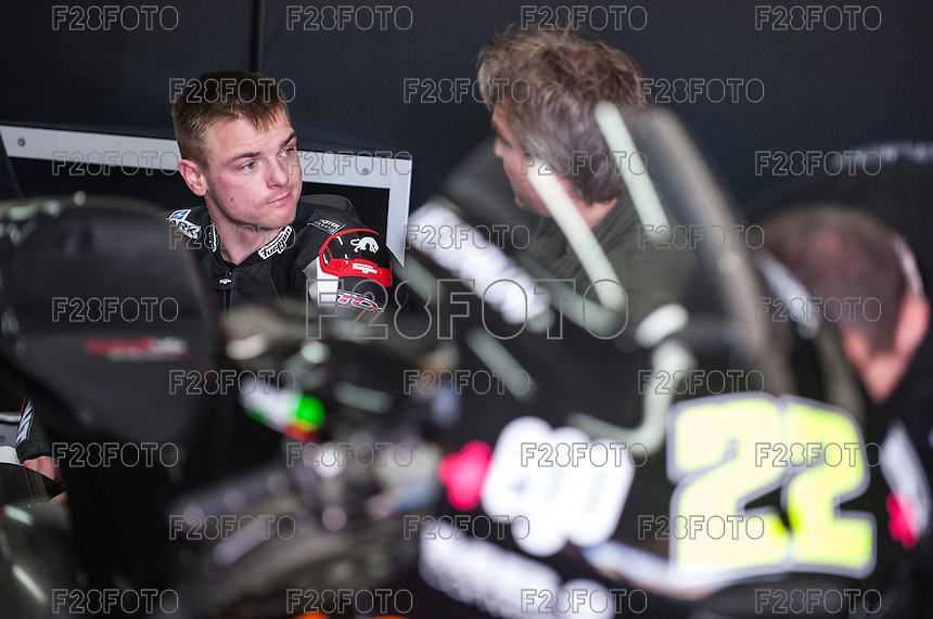 Sam Lowes in his box at pre season winter test IRTA Moto3 & Moto2 at Ricardo Tormo circuit in Valencia (Spain), 11-12-13 February 2014