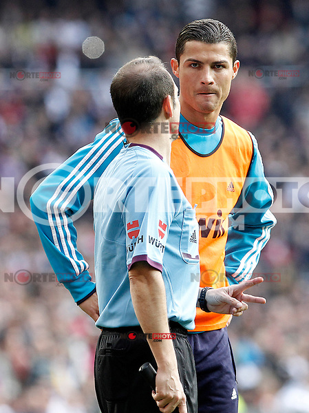 Real Madrid's Cristiano Ronaldo have words with the assistant referee during La Liga match.March 02,2013. (ALTERPHOTOS/Acero) /NortePhoto