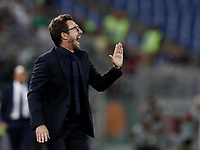 Calcio, Serie A: Roma, stadio Olimpico, 26 agosto, 2017.<br /> AS Roma's coach Eusebio Di Francesco speaks to his players during the Italian Serie A football match between Roma and Inter at Rome's Olympic stadium, AUGUST 26, 2017.<br /> UPDATE IMAGES PRESS/Isabella Bonotto