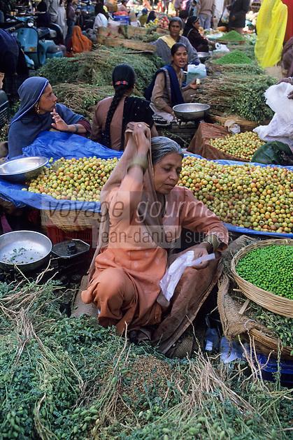 Asie/Inde/Rajasthan/Udaipur: Marché Mandi - Les intouchables vendent les légumes