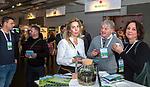 BUSSUM -   Maloes Ollings (Golfvrouw) met Frank van der Mark en Esther Haarman (Sluispolder) ,   Nationaal Golf Congres & Beurs. COPYRIGHT KOEN SUYK