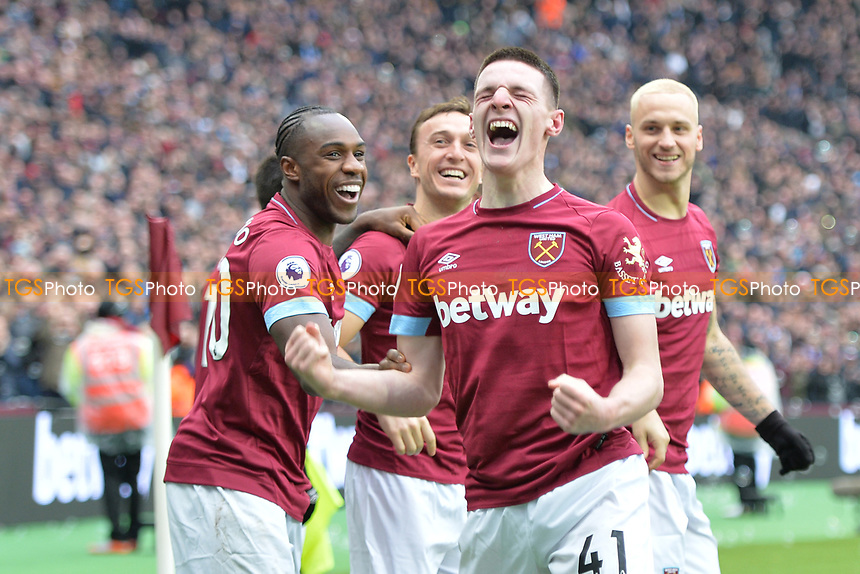 Declan Rice of West Ham United scores the first Goal and celebrates during West Ham United vs Arsenal, Premier League Football at The London Stadium on 12th January 2019