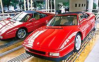 Loja de automoveis Ferrari. Foto de Juca Martins.