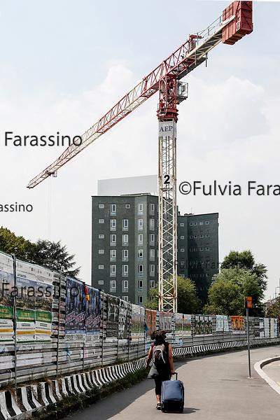 Milano luglio 2017- Viale Famagosta, Lavori in corso
