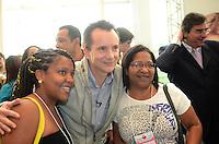 ATENÇÃO EDITOR: FOTO EMBARGADA PARA VEÍCULOS INTERNACIONAIS. SAO PAULO, 11 DE SETEMBRO DE 2012 - ELEICOES 2012 RUSSOMANNO - Candidato Celso Russomano durante visita a Feira Beauty Fair, no expo Center Norte, regiao norte da capital na tarde desta terca feira. FOTO: ALEXANDRE MOREIRA - BRAZIL PHOTO PRESS