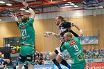 06.10.2019, Klingenhalle, Solingen,  GER, 1. HBL. Herren, Bergischer HC vs. TSV GWD Minden, <br /> <br /> im Bild / picture shows: <br /> Fabian Gutbrod (BHC #22), wird von CHRISTOFFER RAMBO (Minden #9),  und MAGNUS GULLERUD (Minden #21), gegefriffen <br /> <br /> <br /> Foto © nordphoto / Meuter