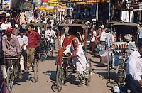 INDIA Varanasi, Rikshaw / INDIEN Varanasi, Fahrradrikscha