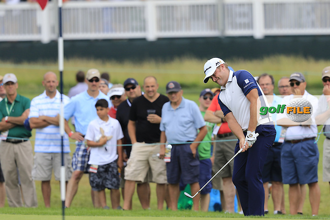 Jamie Donaldson (WAL) chips onto the 10th green during Friday's Round 1 of the 2016 U.S. Open Championship held at Oakmont Country Club, Oakmont, Pittsburgh, Pennsylvania, United States of America. 17th June 2016.<br /> Picture: Eoin Clarke | Golffile<br /> <br /> <br /> All photos usage must carry mandatory copyright credit (&copy; Golffile | Eoin Clarke)