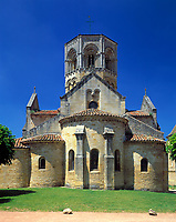 "Frankreich, Burgund,  Saone & Loire, Semur-en-Brionnais: romanische Kirche ""Collégiale St. Hilaire"", erbaut 12. Jh. 