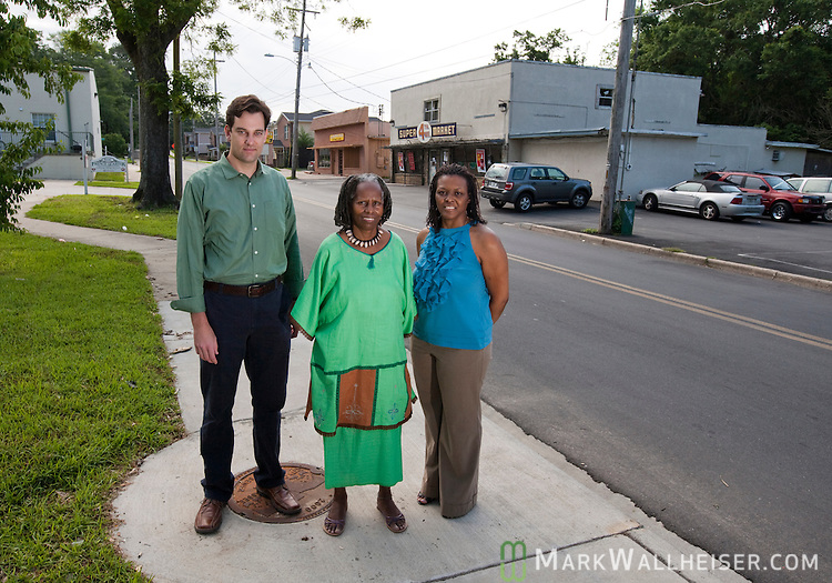 Lance Gravlee, Miaisha Mitchell and Melvena Wilson in the Frenchtown neighborhood of Tallahassee, Florida May 11, 2010.