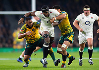 Maro Itoje of England takes on the Australia defence. Quilter International match between England and Australia on November 24, 2018 at Twickenham Stadium in London, England. Photo by: Patrick Khachfe / Onside Images