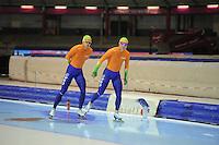 SCHAATSEN: HEERENVEEN: IJsstadion Thialf, 15-11-2012, World Cup Training, Seizoen 2012-2013, Maurice Vriend, Koen Verweij, ©foto Martin de Jong