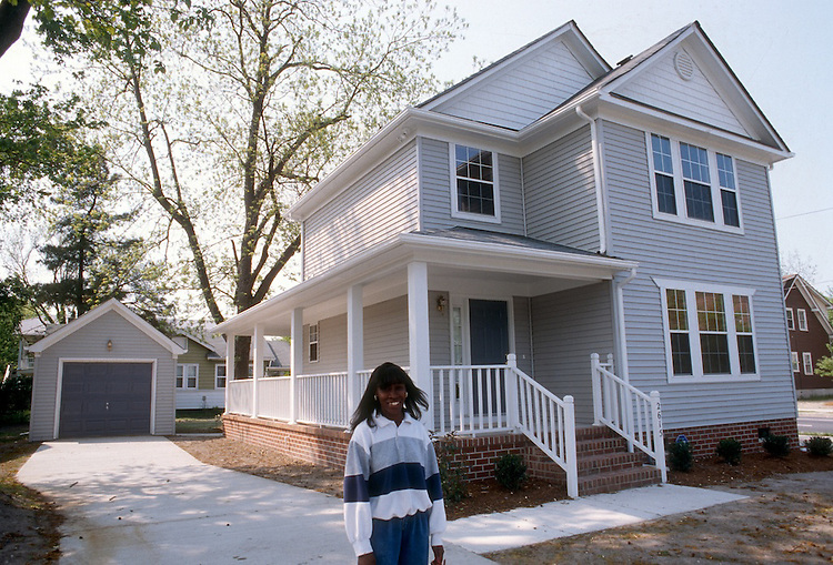 1995 May 01..Conservation.Park Place..2615 GOSNOLD AVENUE.LINDA BALDIZAN...NEG#.NRHA#..