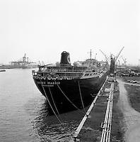 Juni 1963.  Scheepswerf Mercantile Marine Engineering in Antwerpen. Schip Caltex Madrid.