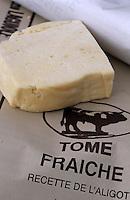"""Europe/France/Auvergne/12/Aveyron/Laguiole: Coopérative """"Jeune Montagne"""" - Tomme fraiche (ingrédient de l'aligot)"""