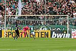 11.08.2019, Stadion Lohmühle, Luebeck, GER, DFB-Pokal, 1. Runde VFB Lübeck vs 1.FC St. Pauli<br /> <br /> DFB REGULATIONS PROHIBIT ANY USE OF PHOTOGRAPHS AS IMAGE SEQUENCES AND/OR QUASI-VIDEO.<br /> <br /> im Bild / picture shows<br /> Tor zum 2:0 . Torschütze/Torschuetze Marvin Thiel (VfB Luebeck) nicht im Bild trifft zum 2:0 ins Tor von Torwart Robin Himmelmann (FC St. Pauli).<br /> <br /> Foto © nordphoto / Freund