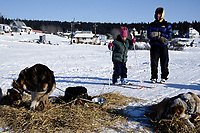 Children Watch R.Brooks' Dogs at White Mountain<br /> H.Banse &amp; S.Shoogukuruk