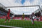 Tor Yuya Osako (Werder Bremen #08) nicht im Bil dDavy Klaassen (Werder Bremen #30) hoöt den Ball aus dem Netz<br /> <br /> <br /> Sport: nphgm001: Fussball: 1. Bundesliga: Saison 19/20: 33. Spieltag: 1. FSV Mainz 05 vs SV Werder Bremen 20.06.2020<br /> <br /> Foto: gumzmedia/nordphoto/POOL <br /> <br /> DFL regulations prohibit any use of photographs as image sequences and/or quasi-video.<br /> EDITORIAL USE ONLY<br /> National and international News-Agencies OUT.