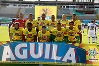 NEIVA - COLOMBIA, 08-11-2017: Jugadores del Huila posan para una foto previo al partido entre Atlético Huila y Alianza Petrolera por la fecha 13 de la Liga Águila II 2017 jugado en el estadio Guillermo Plazas Alcid de la ciudad de Neiva. / Players of Huila pose to a photo prior the match between Atletico Huila and Alianza Petrolera for the date 13 of the Aguila League II 2017 played at Guillermo Plazas Alcid in Neiva city. VizzorImage / Sergio Reyes / Cont
