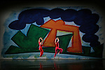 PRESENT TENSE (2003 – 20 min)<br /> Chorégraphie Trisha Brown / Conception visuelle et scénographie Elizabeth Murray<br /> Musique originale John Cage / Lumières Jennifer Tipton<br /> Réinterprétation des costumes Elizabeth Cannon<br /> d'après le concept original d'Elizabeth Murray<br /> Avec Cecily Campbell, Marc Crousillat, Olsi Gjeci, Leah Ives, Tara Lorenzen, Jamie Scott, Stuart Shugg<br /> Compagnie : Trisha Brown Company<br /> Lieu : Théâtre de Chaillot<br /> Ville : Paris<br /> Date : 04/11/2015<br /> © Laurent Paillier / photosdedanse.com