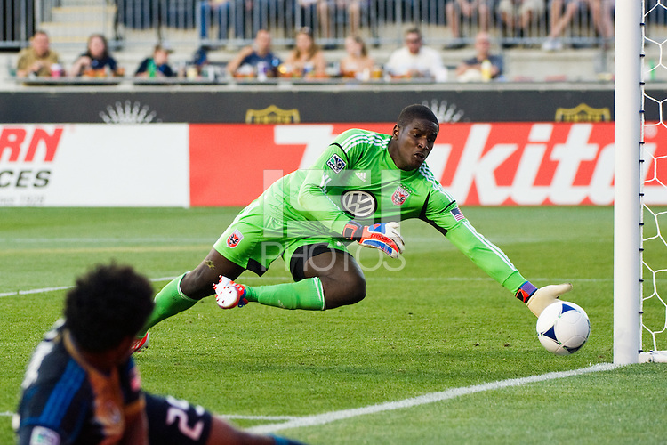 Goalkeeper Bill Hamid (28) of DC United makes a save. DC United defeated Philadelphia Union 1-0 during a Major League Soccer (MLS) match at PPL Park in Chester, PA, on June 16, 2012.